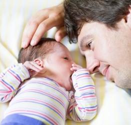 Licença-paternidade é ampliada para 20 dias